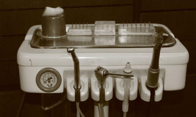 Le détartrage dentaire maison